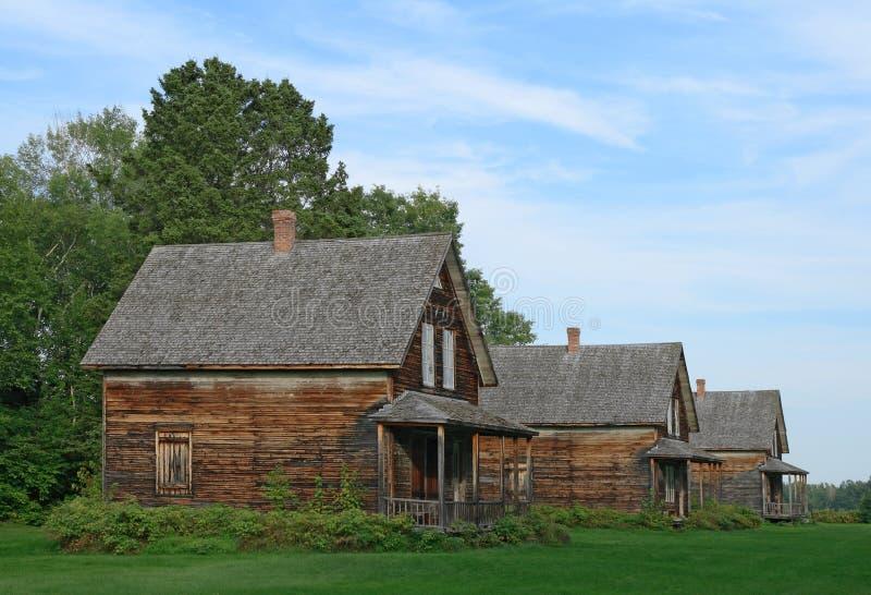 vecchie case di campagna di legno fotografia stock