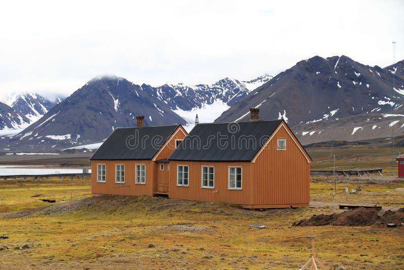 Vecchie case in Spitsbergen immagini stock libere da diritti
