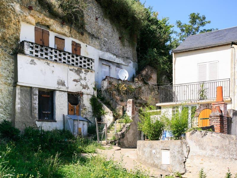 vecchie case urbane della caverna nella città di Amboise fotografia stock libera da diritti