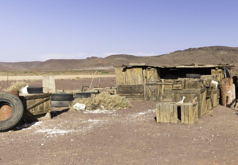 Vecchie casse di legno nel Marocco. Progettazione stabilita del porto del gas fotografia stock libera da diritti