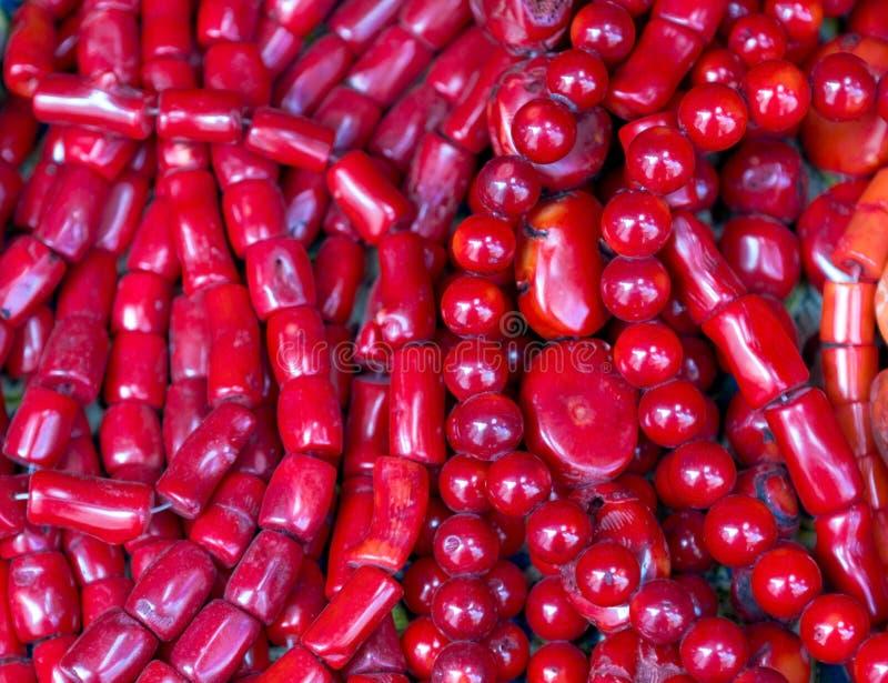 Vecchie collane di corallo rosse fotografia stock libera da diritti