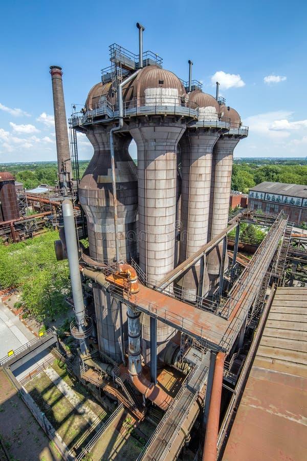 Vecchie costruzioni industriali della funzione, acciaieria di Duisburg, Germania fotografie stock libere da diritti