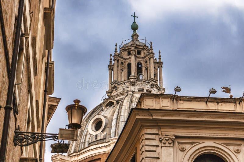 Vecchie costruzioni nella città di Roma fotografia stock
