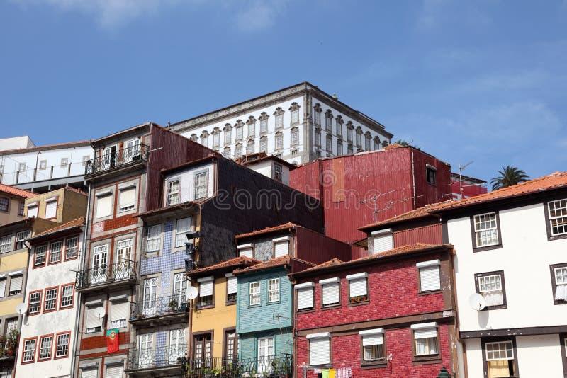 Vecchie costruzioni a Oporto immagini stock libere da diritti