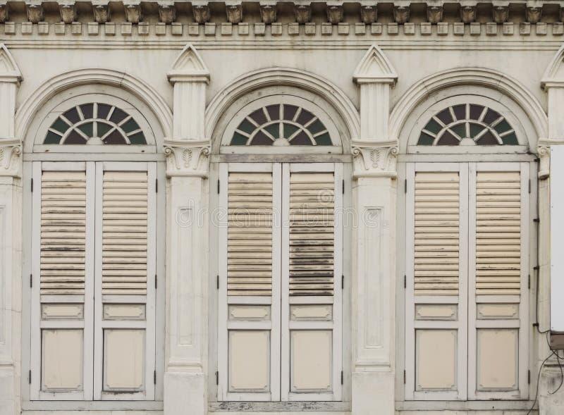 Vecchie finestre Chino-portoghesi fotografia stock