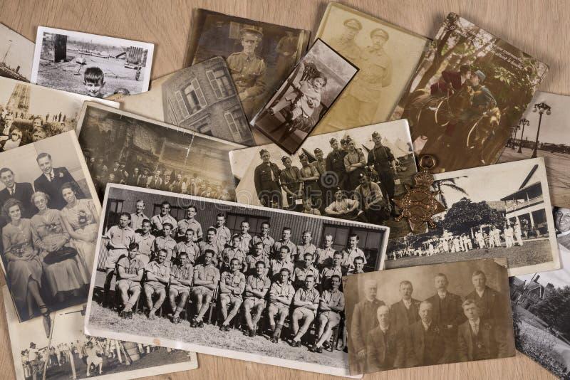 Vecchie fotografie della famiglia fotografia stock libera da diritti