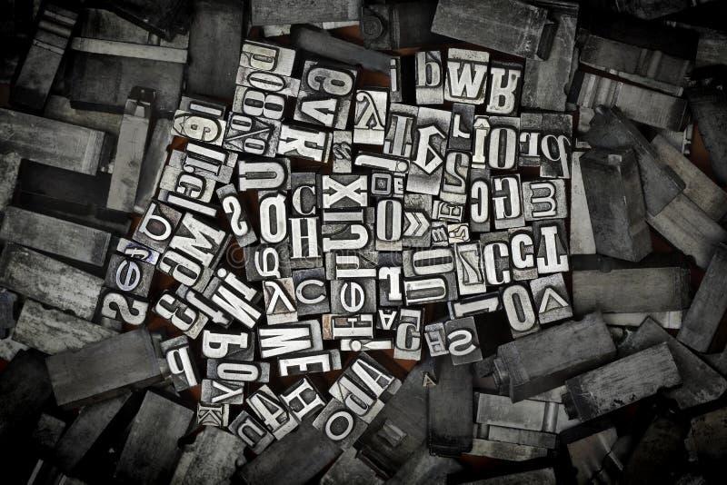 Vecchie lettere del metallo immagini stock