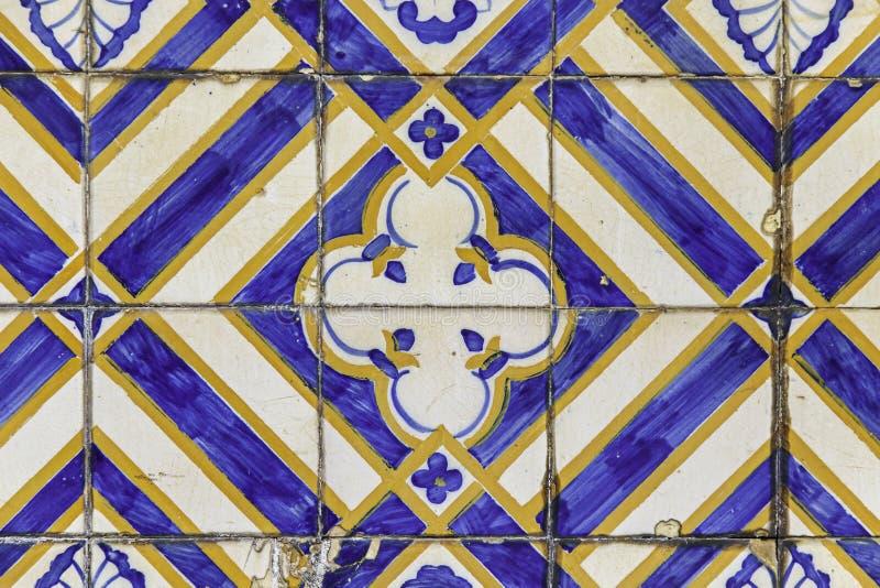 Vecchie mattonelle tipiche di Lisbona nel Portogallo immagine stock