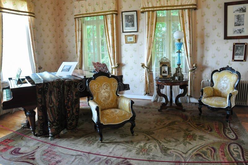 Vecchie mobilie al museo tedesco storico del Valdivia, Cile immagini stock libere da diritti