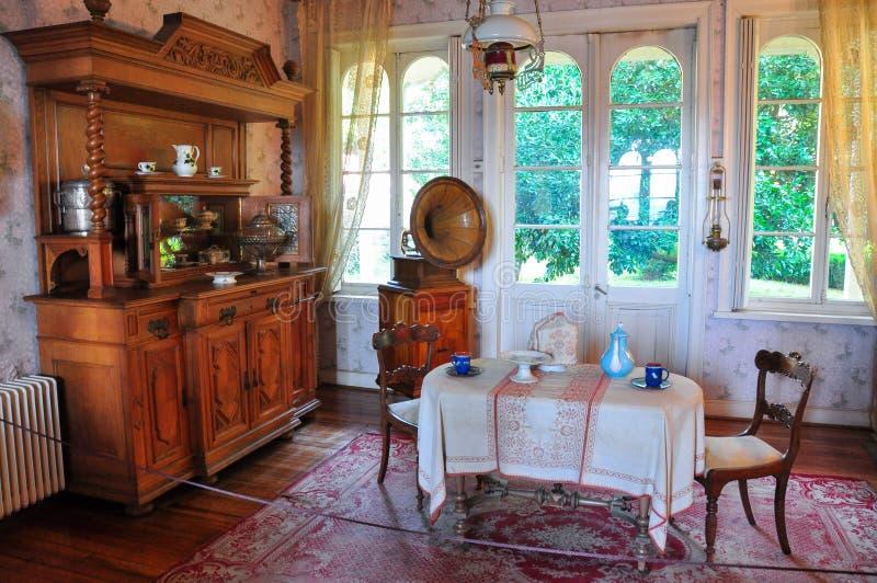 Vecchie mobilie al museo tedesco storico del Valdivia, Cile fotografie stock