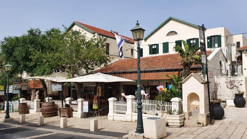 Vecchie nuove case attuali di a d nello zichron yaakov Israele fotografia stock
