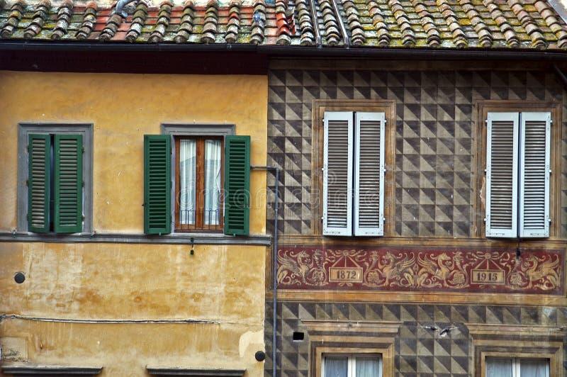 Download Vecchie Pareti Di Pietra A Siena, Italia Fotografia Stock - Immagine di corsa, urbano: 7302674