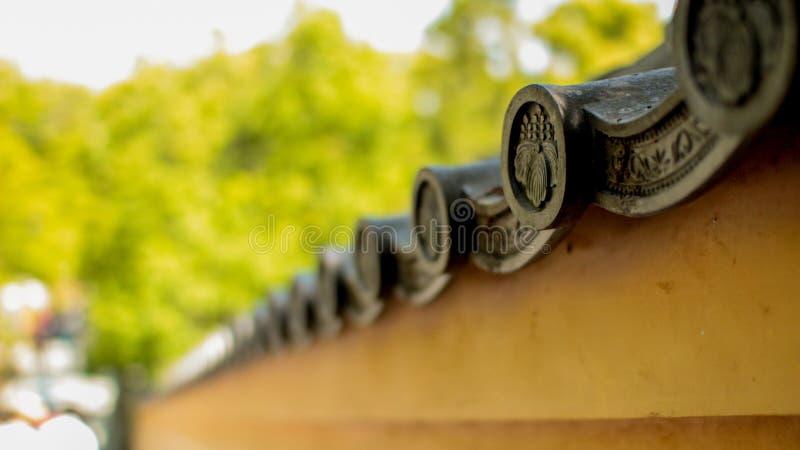 Vecchie pareti giapponesi del giardino immagine stock libera da diritti
