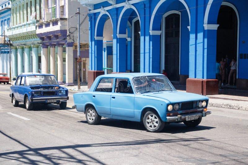 Vecchie retro automobili americane classiche a Avana, Cuba -2 fotografia stock