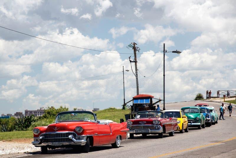 Vecchie retro automobili americane classiche a Avana, Cuba - 8 fotografia stock libera da diritti