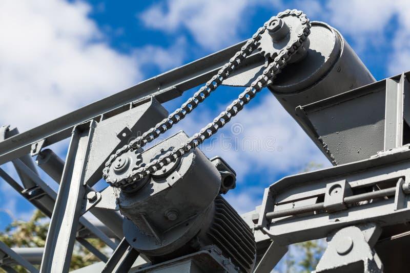 Download Vecchie Riparazione E Costruzione Del Meccanismo Fotografia Stock - Immagine di costruzione, industria: 56881390