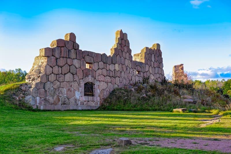 Vecchie rovine della fortezza, Bomarsund, isole di Aland, Finlandia fotografia stock libera da diritti
