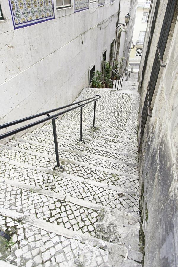 Vecchie scale a Lisbona immagine stock