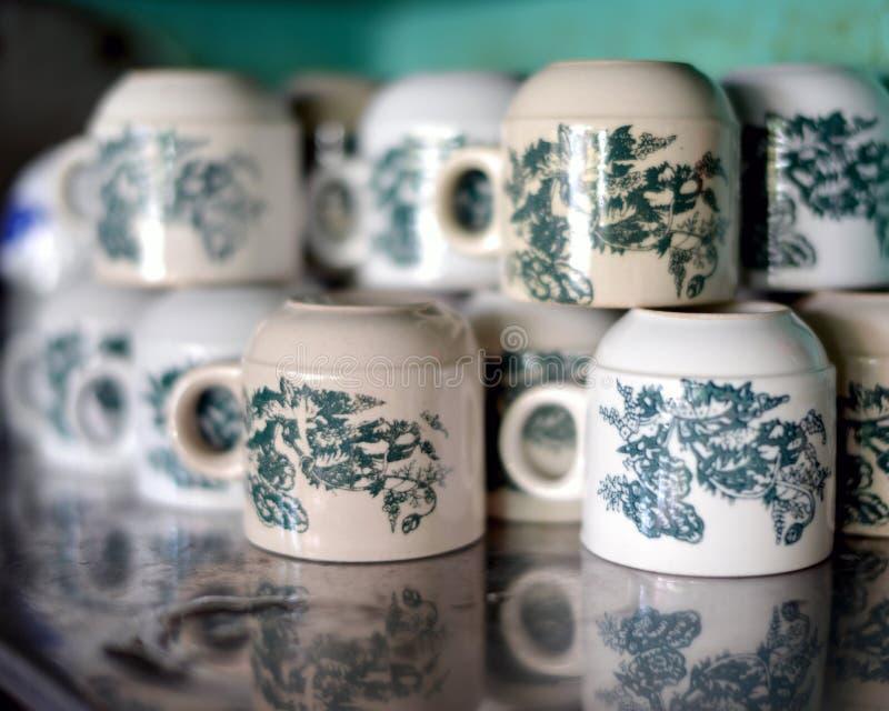 Vecchie tazze di caffè cinesi fotografie stock