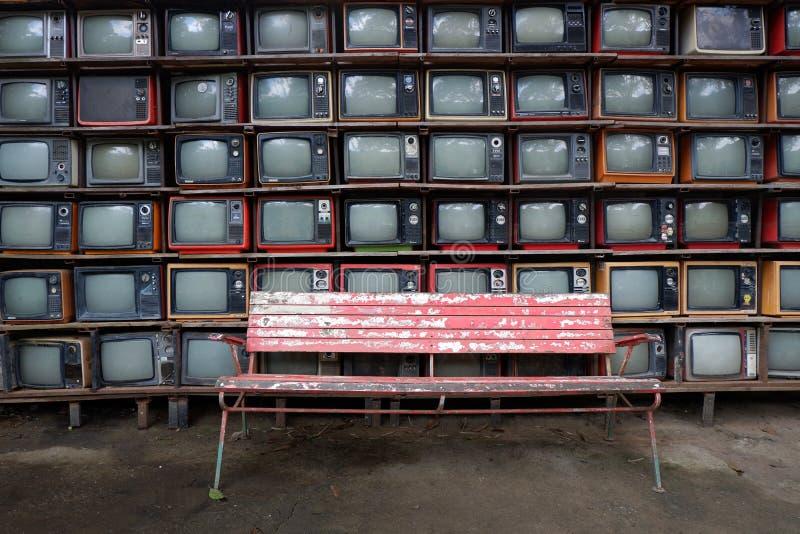 Vecchie televisioni del modello immagini stock