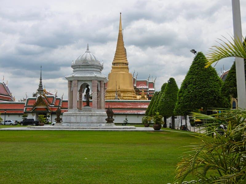 vecchie tempie in Birmania Vietnam fotografia stock libera da diritti