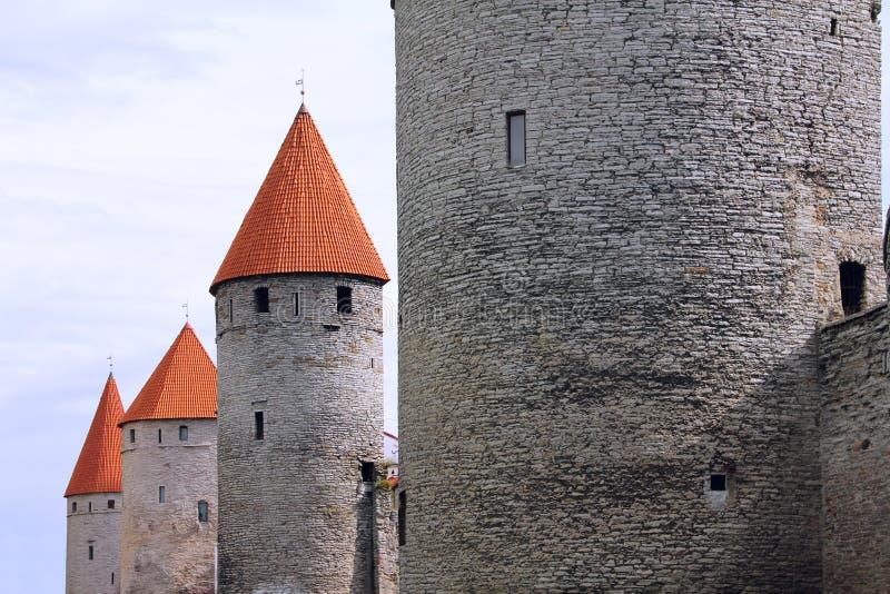 Vecchie torrette di Tallinn immagine stock