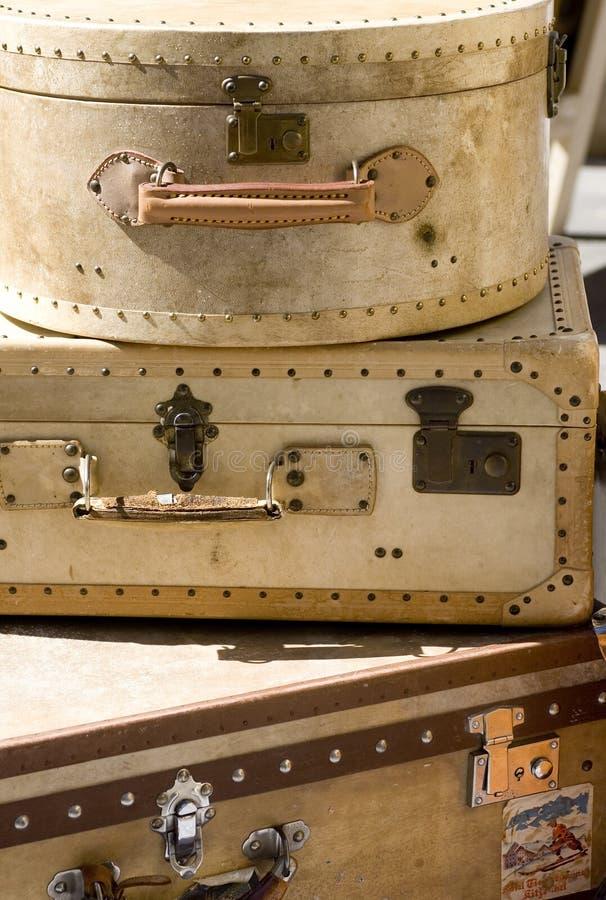 Vecchie valigie immagine stock libera da diritti