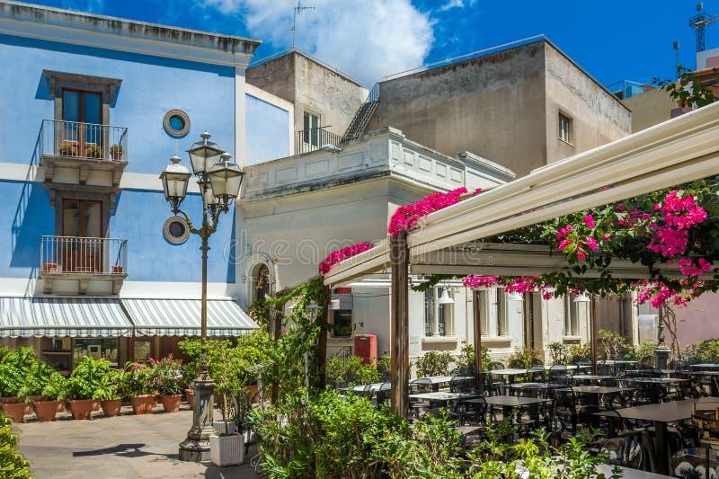 Vecchie vie della città di Lipari fotografia stock