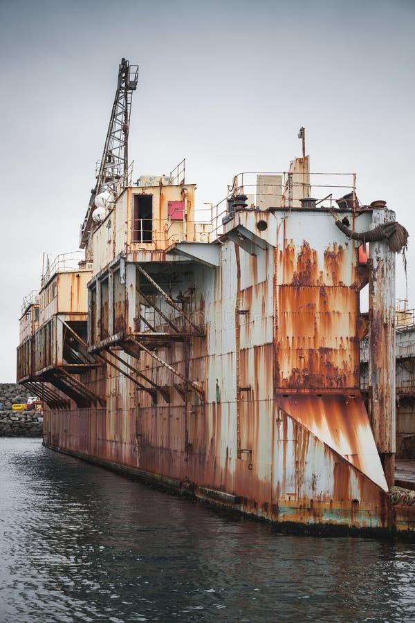 Vecchio bacino di carenaggio, cantiere navale in porto di Hafnarfjordur immagini stock