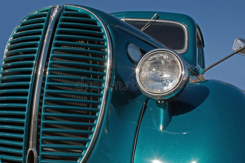 Download Vecchio camion fotografia stock. Immagine di vecchio, importante - 450010