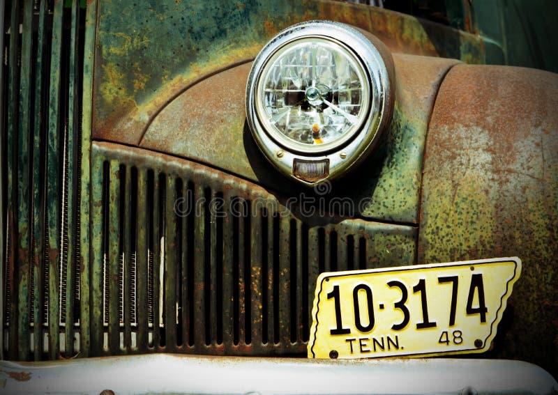 Vecchio camion abandonded fotografia stock libera da diritti