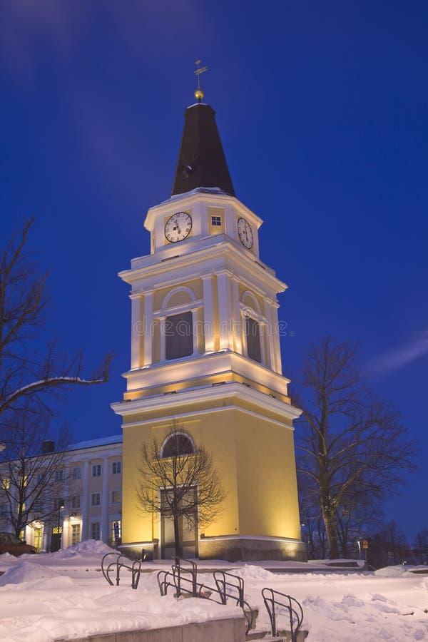 Vecchio campanile alla notte fotografia stock