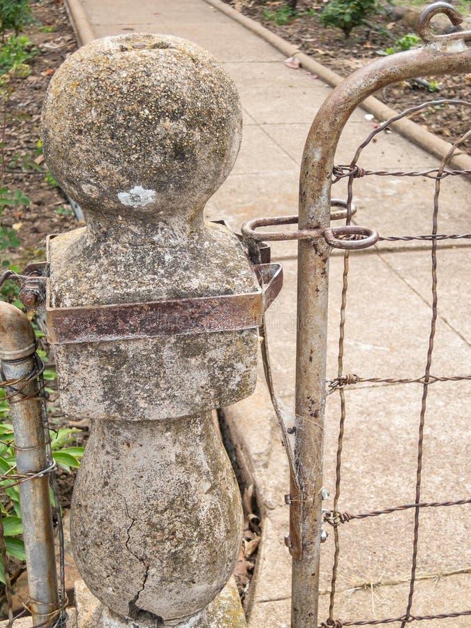 Vecchio cancello di giardino fotografia stock libera da diritti