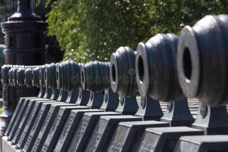 Vecchio cannone in Cremlino di Mosca fotografie stock