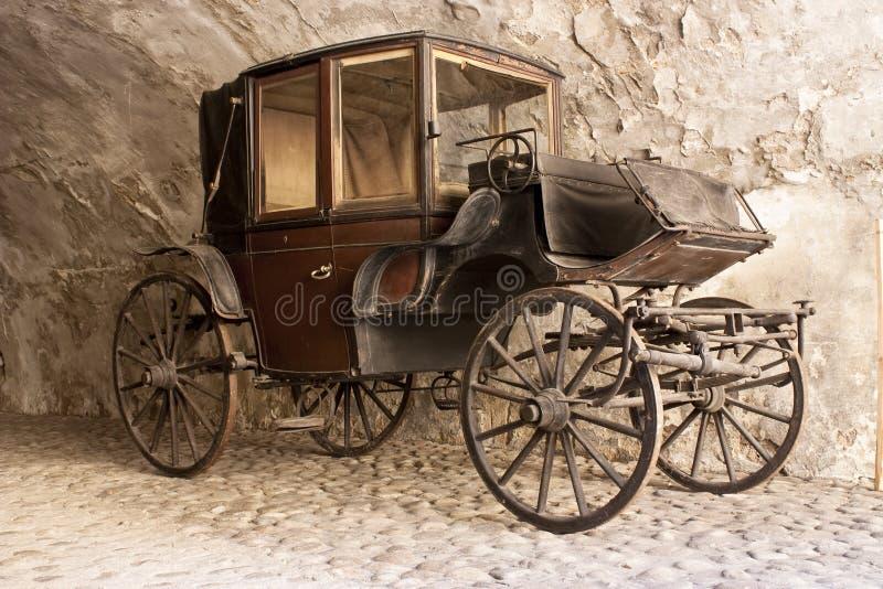 Vecchio carrello dell'aristocratico immagine stock