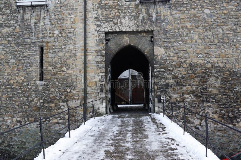 Vecchio castello nel bulle in groviera in Svizzera del sud immagini stock