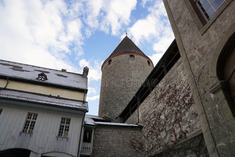 Vecchio castello nel bulle in groviera in Svizzera del sud fotografia stock libera da diritti
