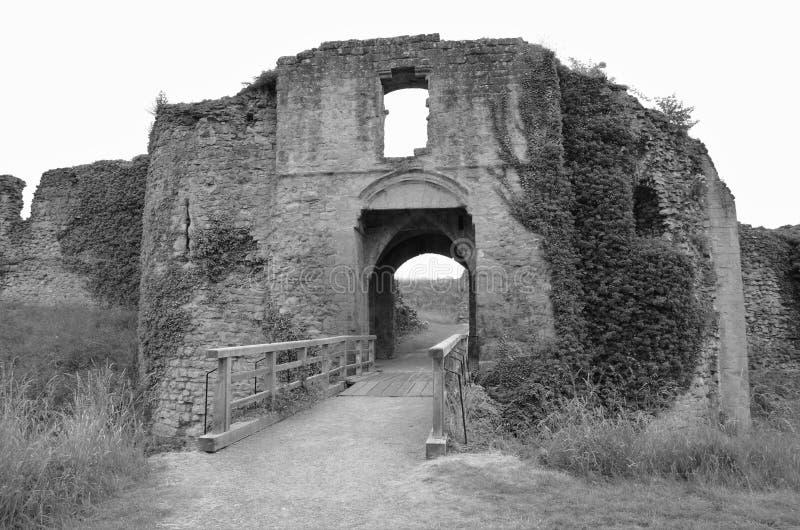 Vecchio castello in punti di riferimento di North Yorkshire - di Helmsley fotografie stock libere da diritti