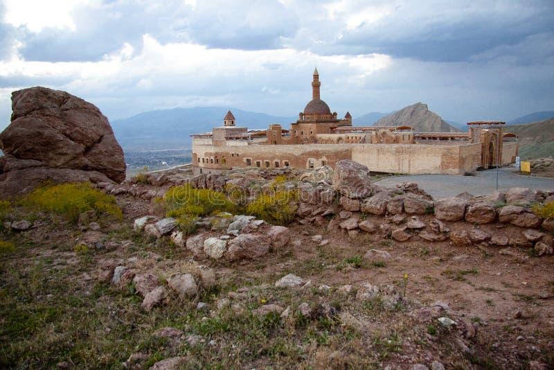 Vecchio castello vicino a Dogubayazit in Turchia orientale immagine stock libera da diritti