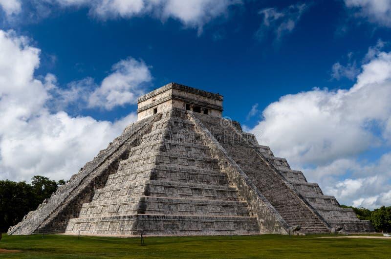 Vecchio chichen-itza maya del monumento del Messico fotografia stock libera da diritti