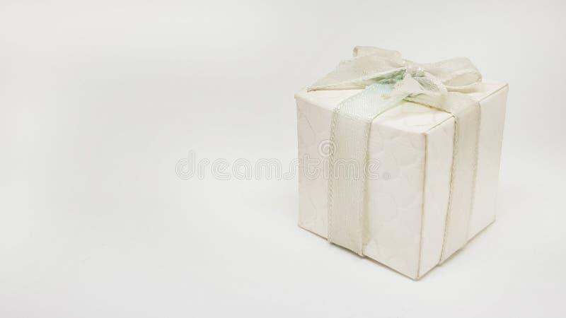 vecchio contenitore di regalo bianco fotografie stock
