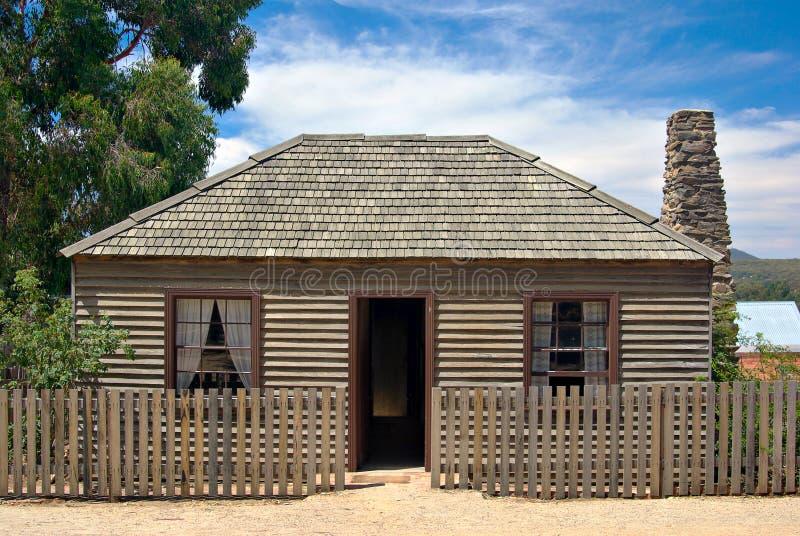 Vecchio cottage pionieristico dei coloni fotografia stock