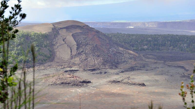 Vecchio cratere nel parco nazionale dei vulcani, grande isola delle Hawai fotografie stock libere da diritti