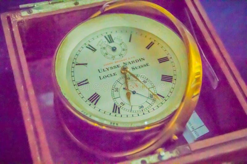 Vecchio cronometro marino d'annata, un orologio che è preciso e fotografia stock