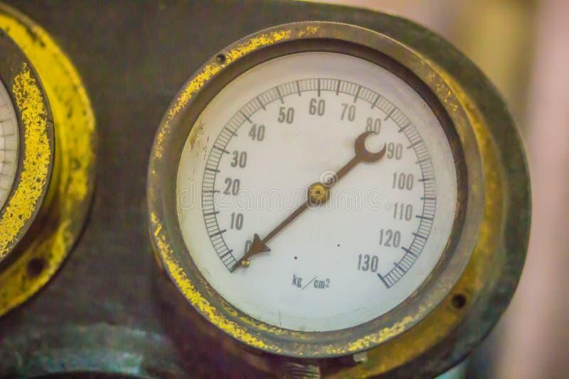 Vecchio cronometro marino d'annata, un orologio che è preciso ed abbastanza accurato essere utilizzato come norma di tempo portat fotografia stock libera da diritti