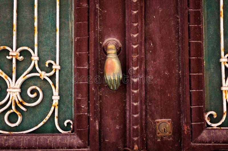 Vecchio dettaglio della porta fotografia stock libera da diritti