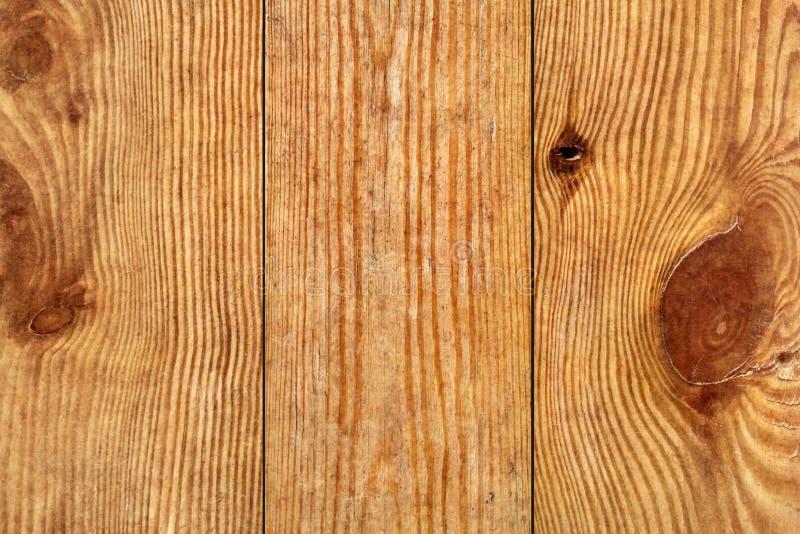 Vecchio dettaglio a fiocchi verniciato annodato incrinato marcio stagionato di struttura di lerciume delle plance di Pinewood immagini stock libere da diritti