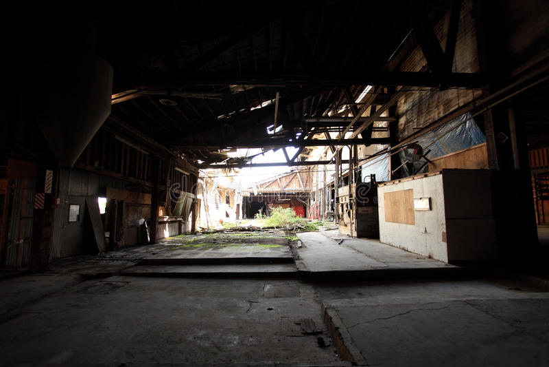 Vecchio e magazzino abbandonato fotografia stock libera da diritti