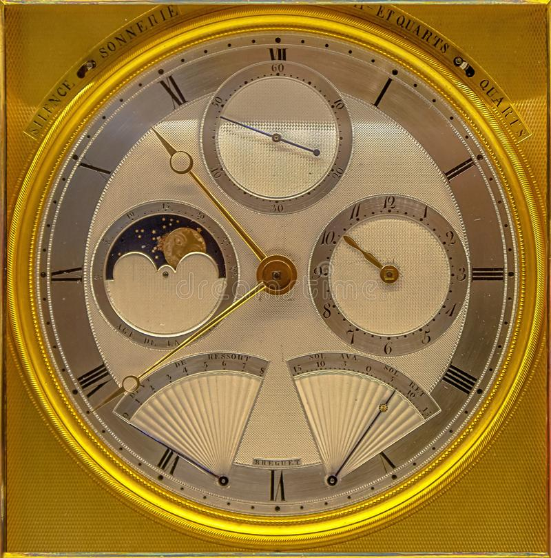 Vecchio e quadrante di orologio prezioso fotografie stock