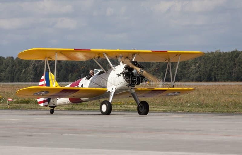 Vecchio e retro aereo militare immagini stock libere da diritti